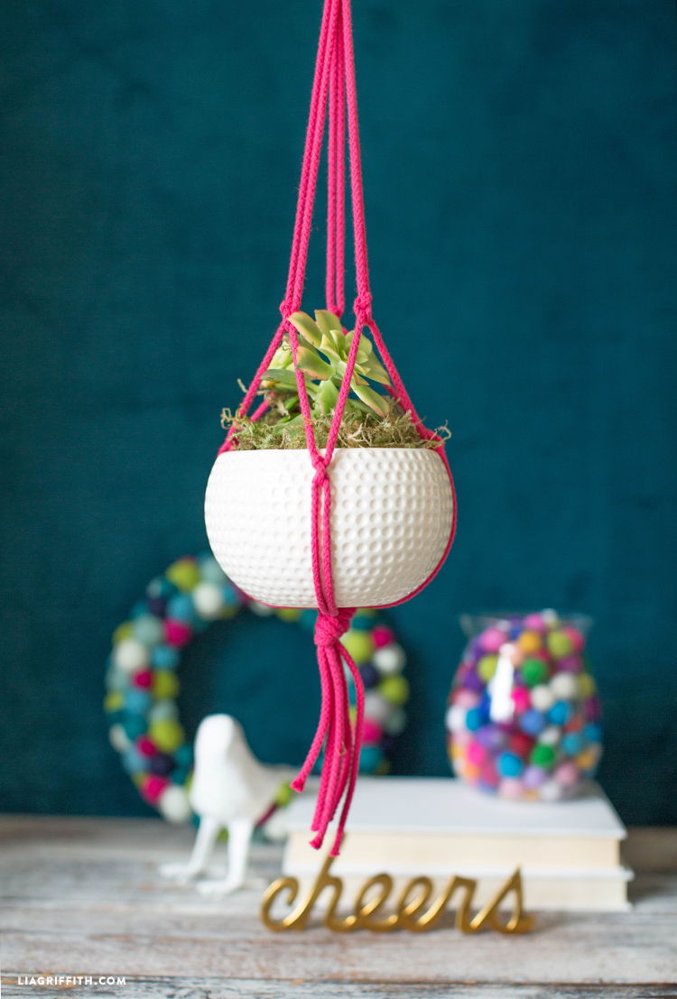 Plant_Hanger_DIY_Macrame